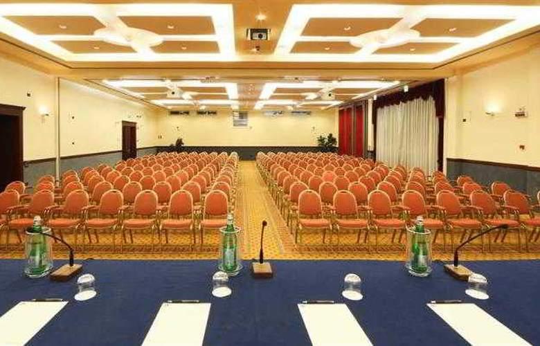 BEST WESTERN Classic Hotel - Hotel - 54