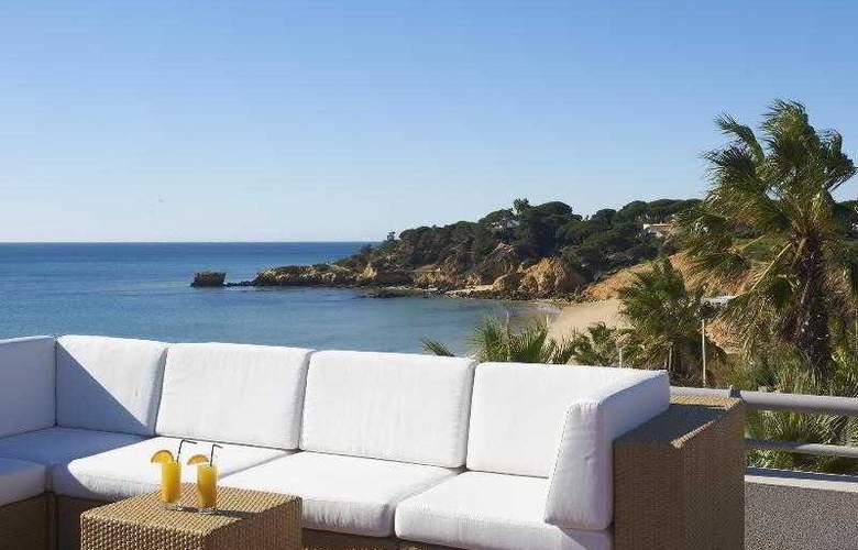 Grande Real Santa Eulalia Resort & Hotel Spa - Bar - 17