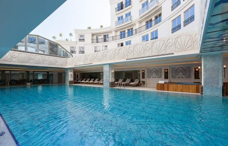 CVK Park Bosphorus Istanbul - Pool - 1