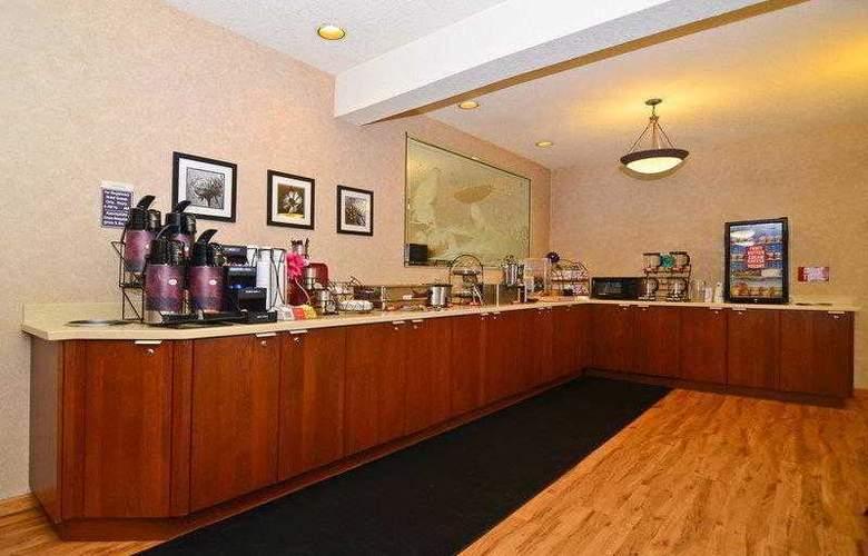 Best Western Plus Park Place Inn - Hotel - 18