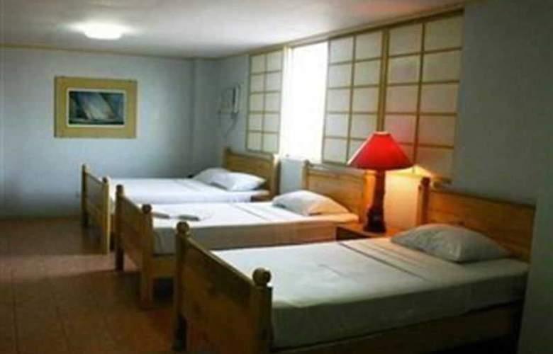 Nichols Airport Hotel - Room - 8