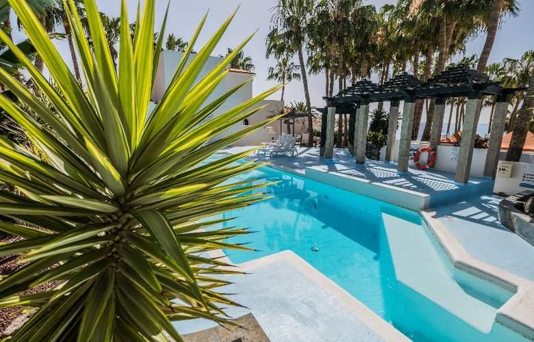 Bahia Calma Beach - Pool - 31
