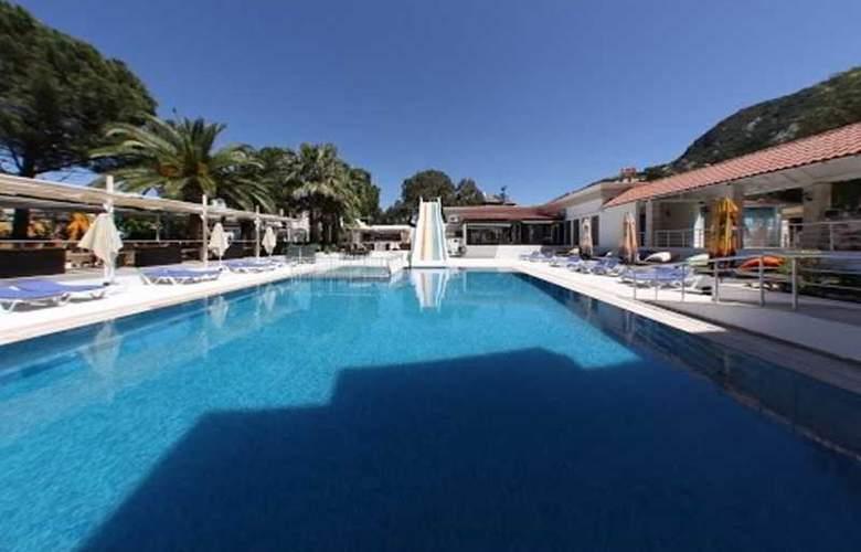 Munamar Beach Resort - Pool - 20