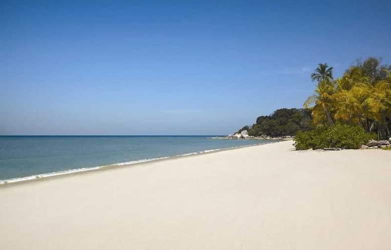 Golden Sands Resort by Shangri-La, Penang - Beach - 12