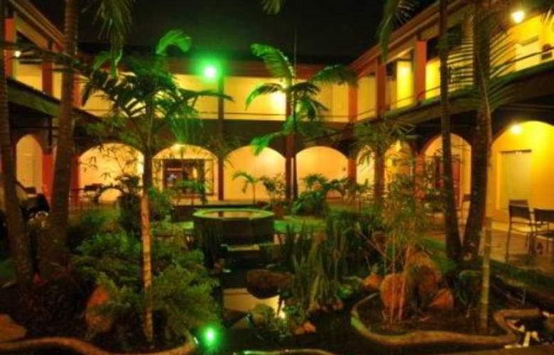 Plaza Rosa - Hotel - 0