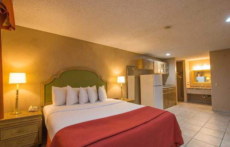Quality Inn & Suites Near The Border - Room - 30