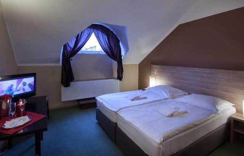 Otakar - Room - 7