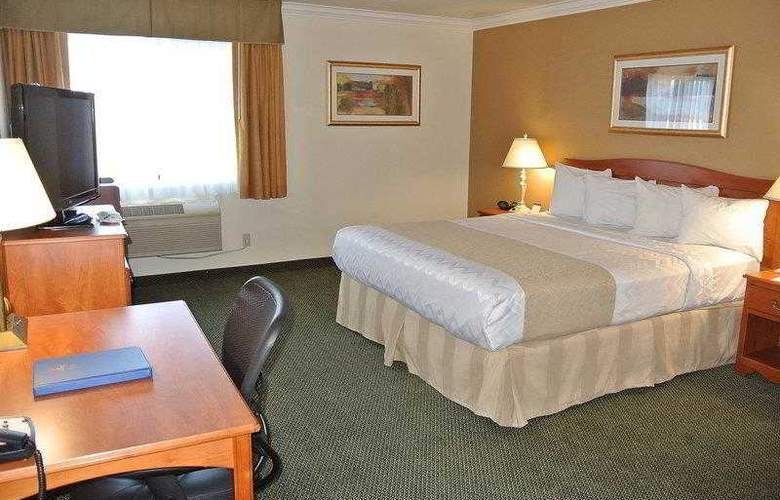 Best Western Town & Country Hotel - Hotel - 17