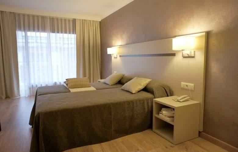 Cosmos Hotel - Room - 2