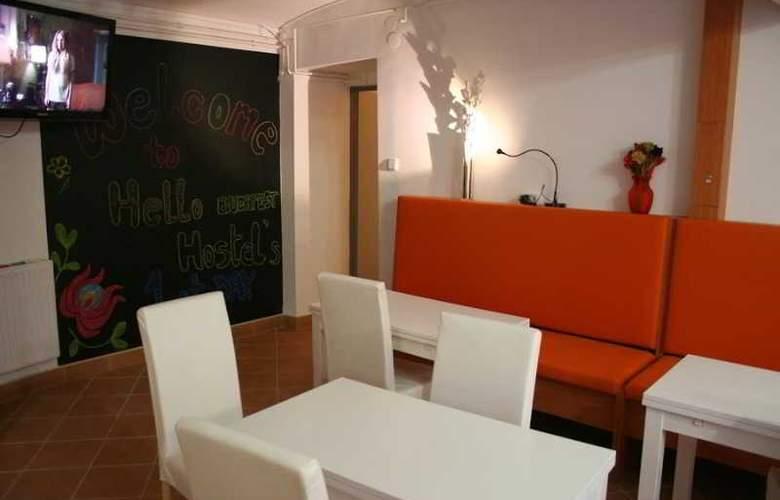 Hello Budapest Hostel - Hotel - 4
