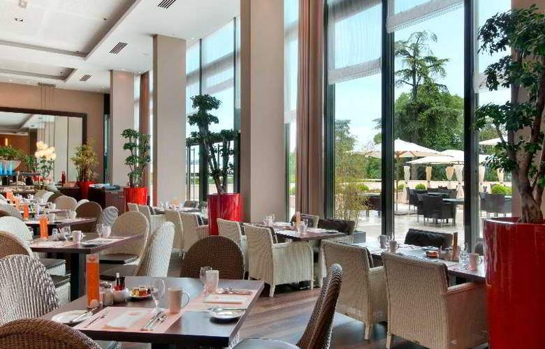 Hilton Evian-les-Bains - Restaurant - 8