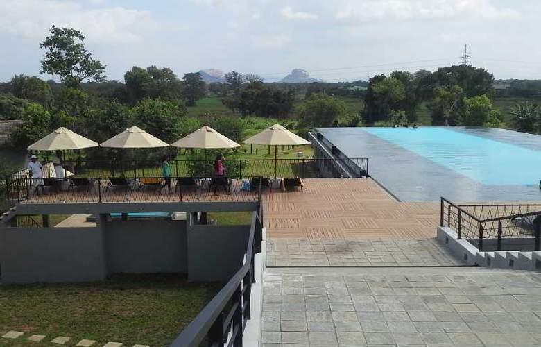 Aliya Resort and Spa - Hotel - 12