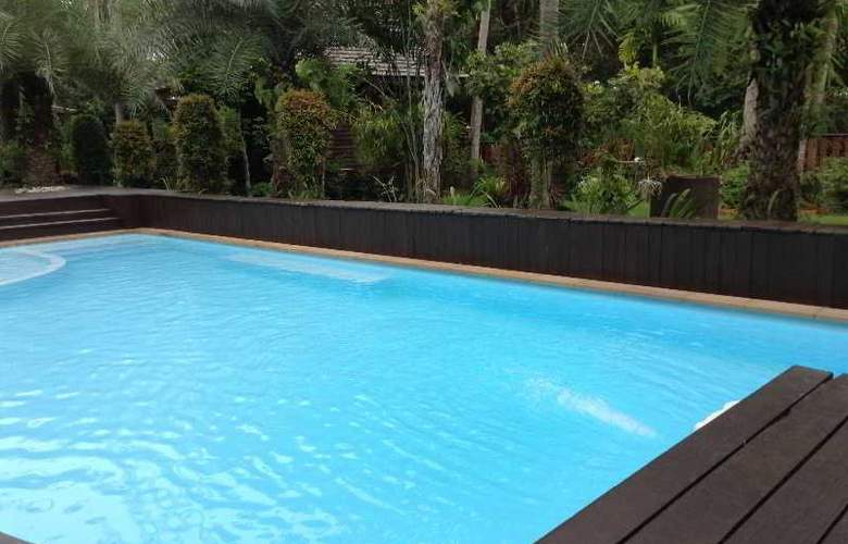 Baan Habeebee Resort - Pool - 12