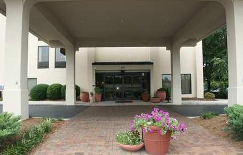 Hampton Inn Salisbury - Hotel - 1