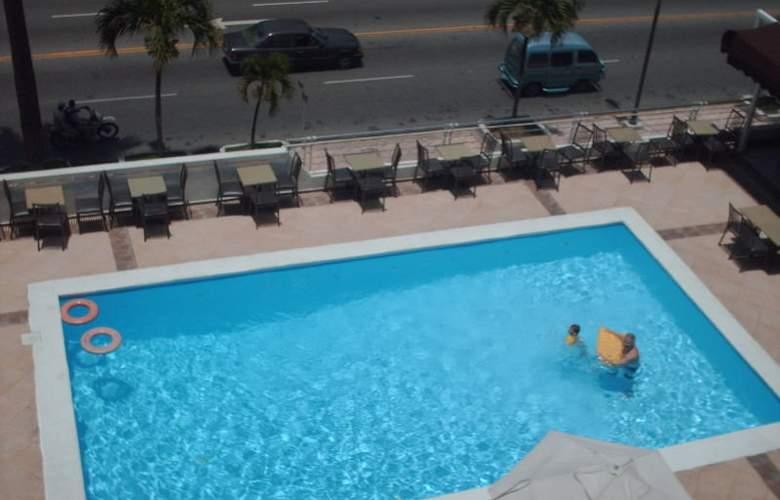 El Napolitano - Pool - 2