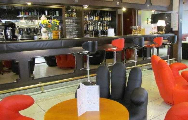 Inter-Hotel Aquilon Saint-Nazaire - Bar - 21