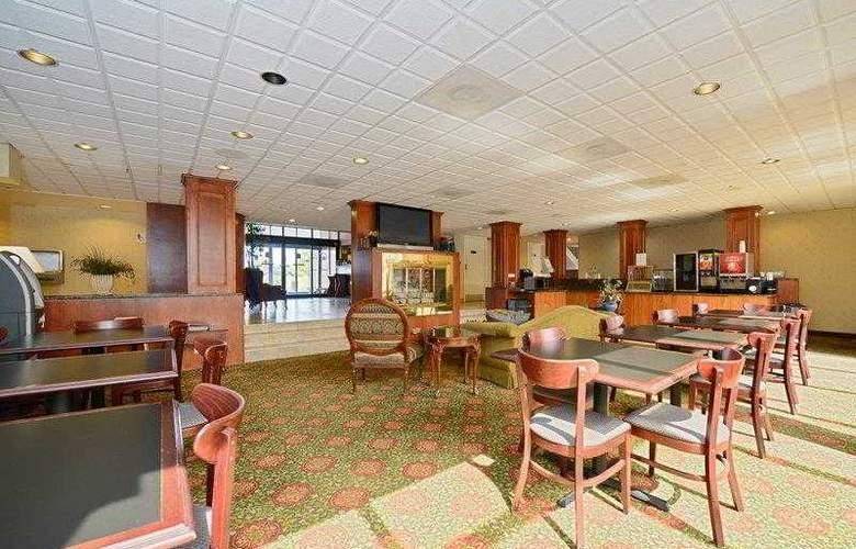 BEST WESTERN Hospitality Hotel - Hotel - 22