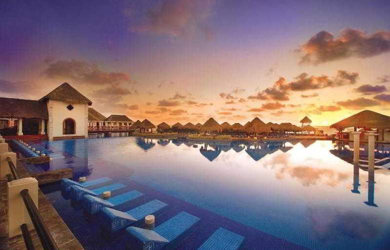 Amresorts Now Sapphire Riviera Cancun - Pool - 17