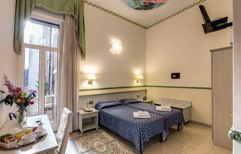 Cambridge - Room - 15