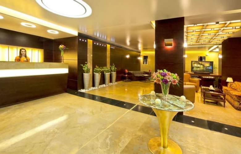Coral Suites Al Hamra - Hotel - 0