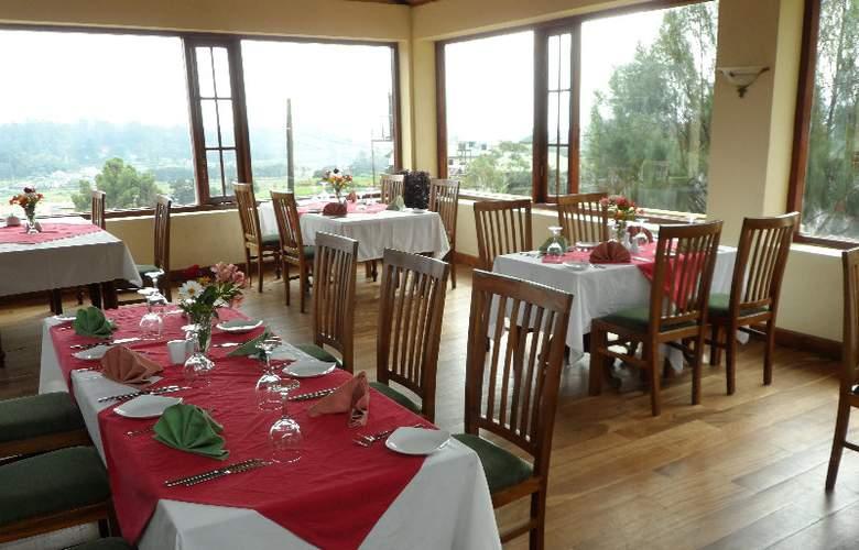 Tea Bush Hotel - Restaurant - 3