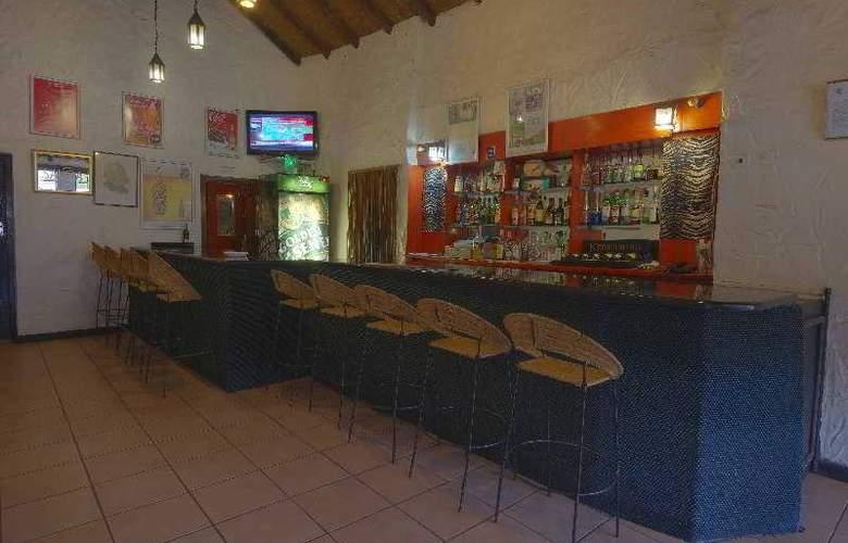 Great Zimbabwe - Bar - 22