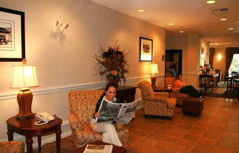Hampton Inn Marble Falls-On The Lake - Hotel - 2