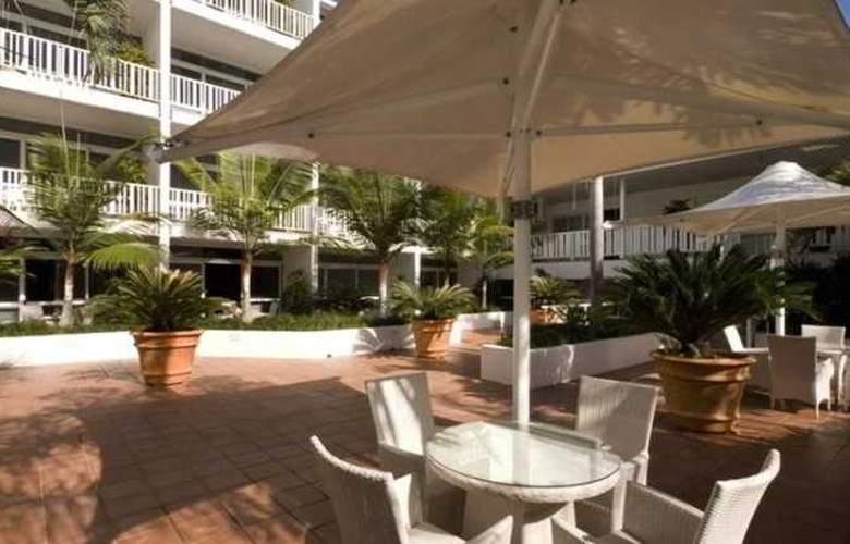 The Hotel Cairns - Restaurant - 8