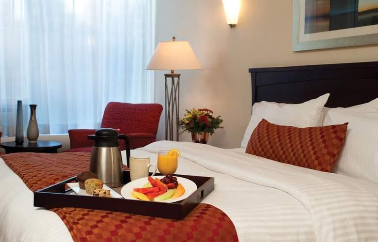 Fantasyland Hotel - Room - 6