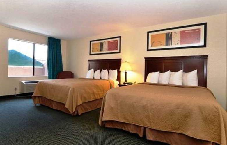 Quality Inn I-5 Naval Base - Room - 2