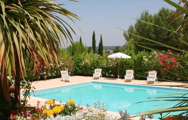 Balladins Royal Mirabeau - Pool - 3