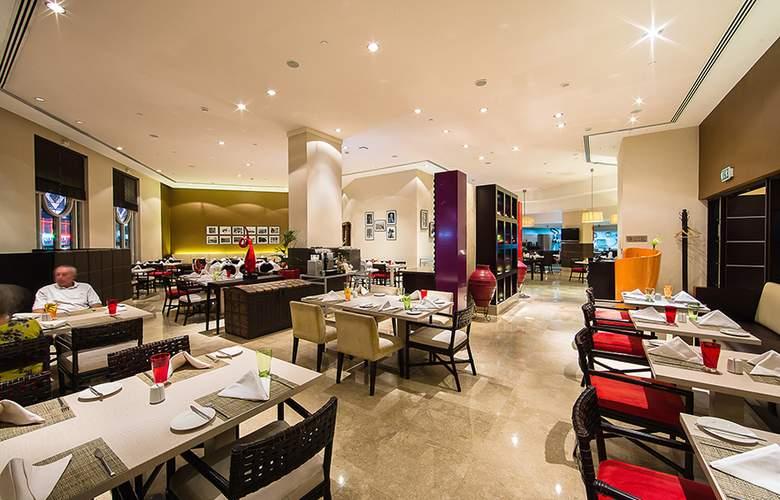 Best Western Premier Deira - Restaurant - 3