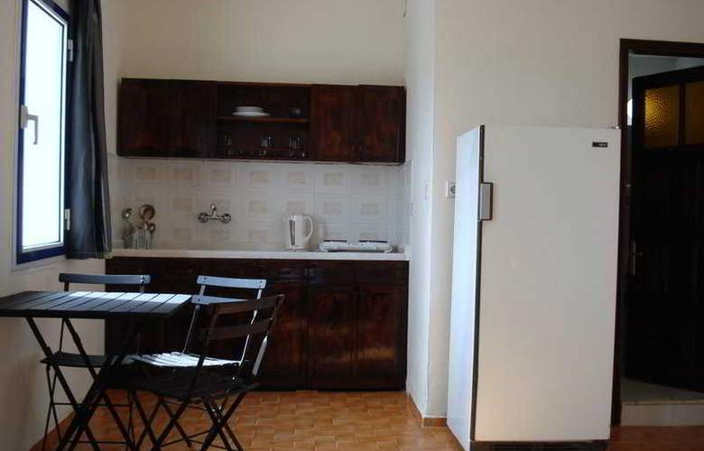 Central Apartments - Room - 4