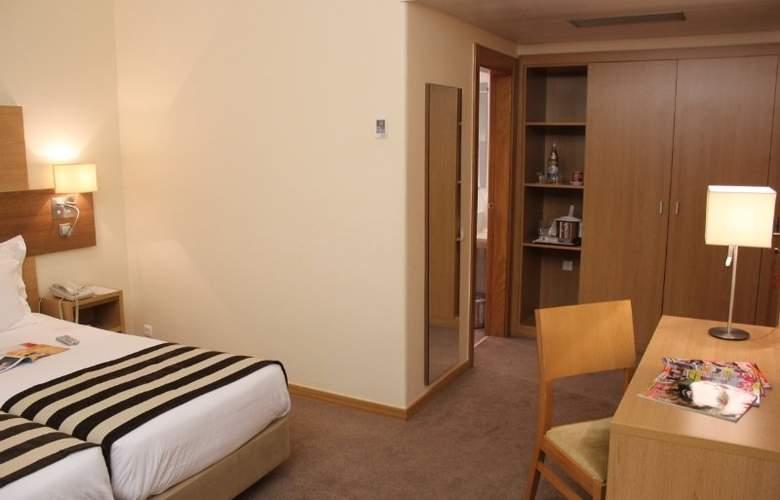 Príncipe Lisboa - Room - 1