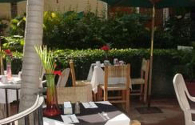 Puerto de Luna All Suites Hotel Bed & Breakfast - Terrace - 10