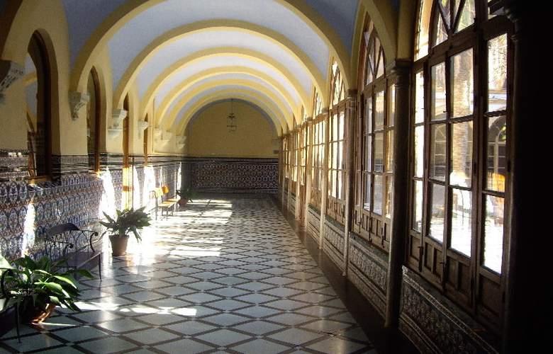 Macià Monasterio de los Basilios - Hotel - 2