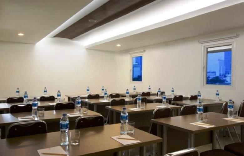 Amaris Hotel Senen - Conference - 12