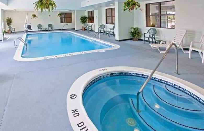 Hampton Inn Lima - Hotel - 12
