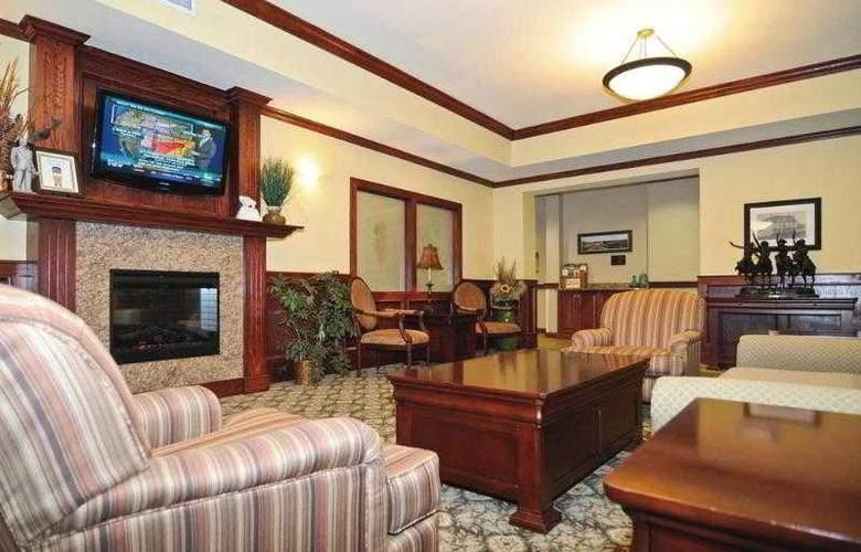 Best Western Butterfield Inn - Hotel - 30