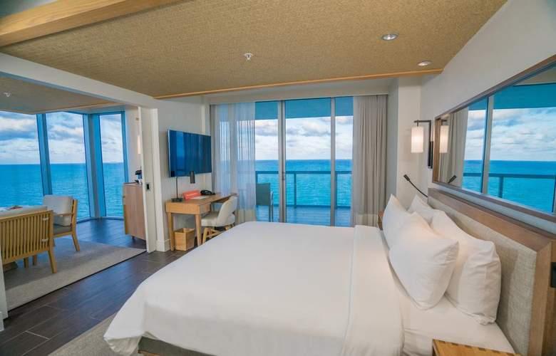 Eden Roc Miami Beach Renaissance Resort & Spa - Room - 1