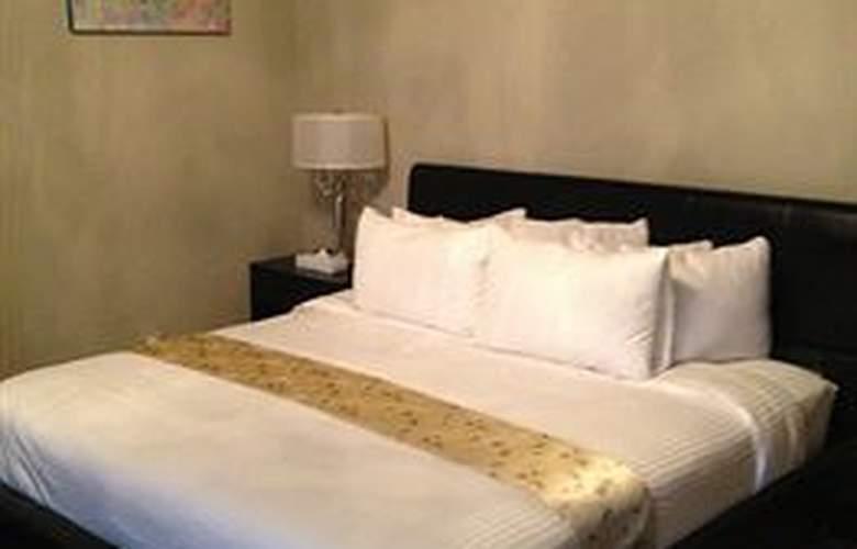 Colonial House Inn - Room - 7