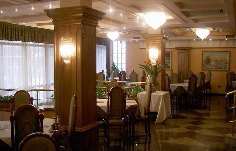 Grand - Restaurant - 5