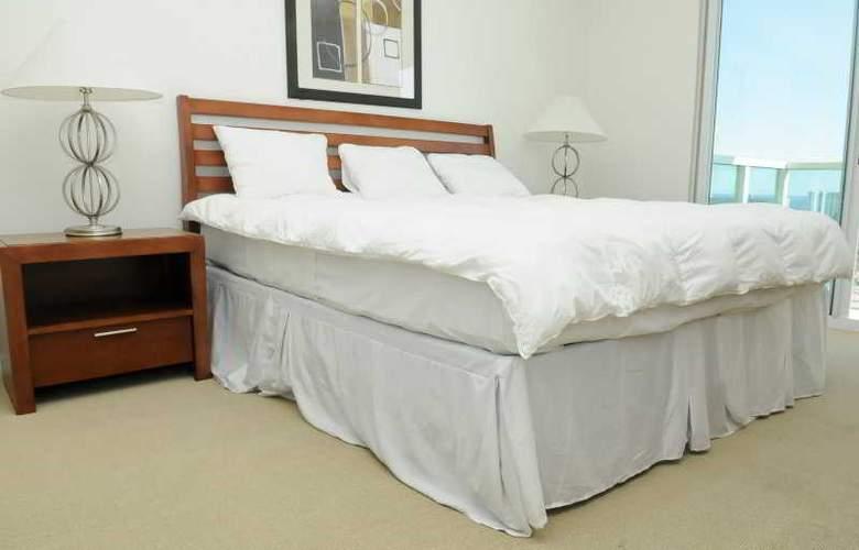 3 Bedroom Condo with Towering Views - Room - 7
