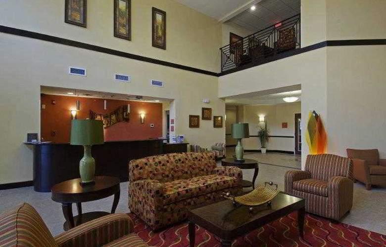 Best Western Plus Cecil Field Inn & Suites - Hotel - 16