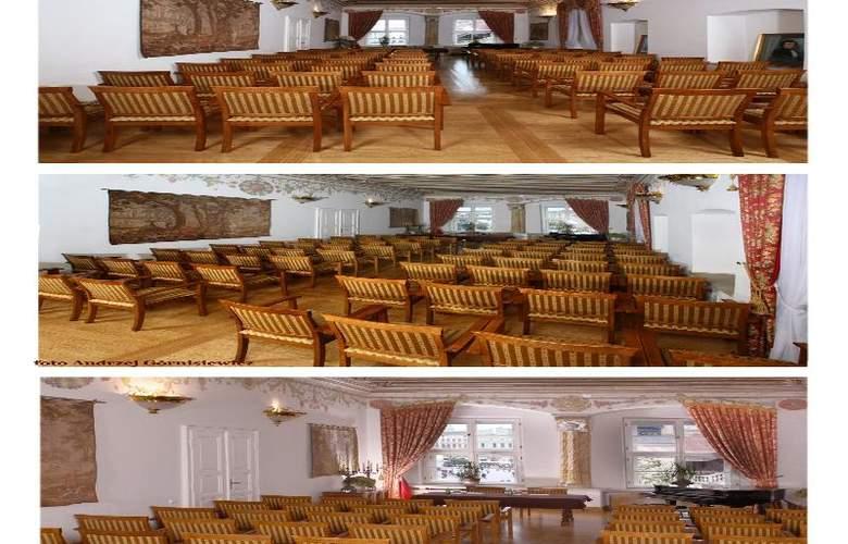 The Bonerowski Palace - Conference - 19