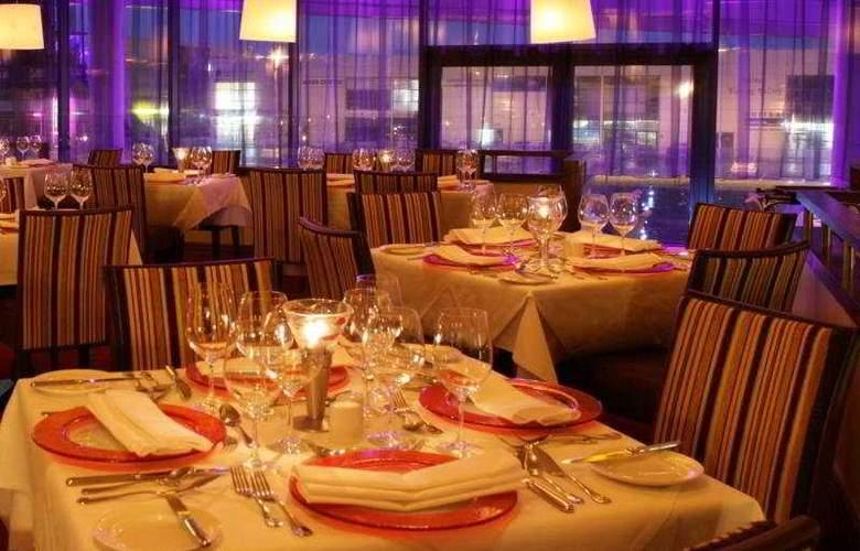 Clayton Galway - Restaurant - 4