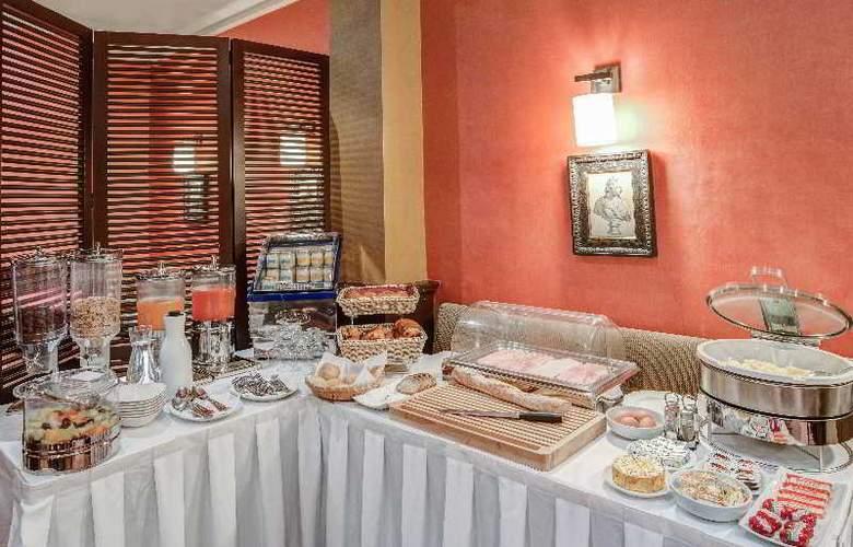 Montfleuri Arc de Triomphe - Restaurant - 6