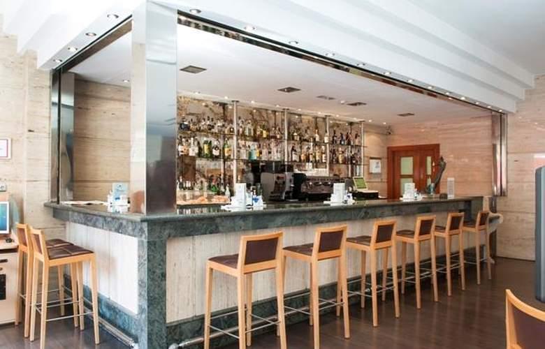 Occidental Granada - Bar - 15