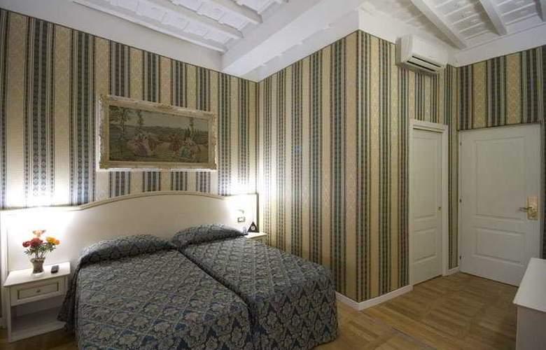Relais Fontana di Trevi - Room - 4