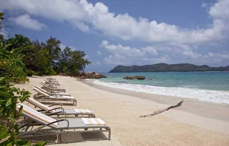 Raffles - Beach - 4